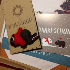 Das Weihnachtswombat von catmade ist bei uns eingetroffen und bereits liebevollst adoptiert...
